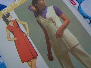 70's Vintage Sewing Pattern 9461 Snap Wrap V  Tunic or Dress Elastic Waist Pants Sz 10