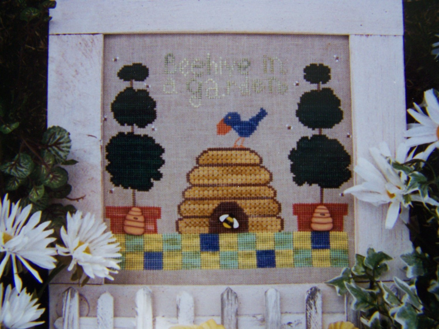 New Fanci That 148 Beehive in a Garden Pattern Cross Stitch Embroidery