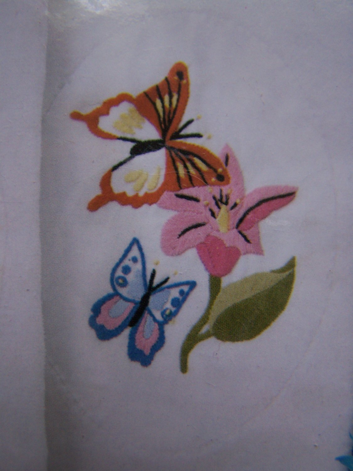 New Craftways Embroidery Craft Kit Butterflies & Flowers Guest Towels Kitchen Bath
