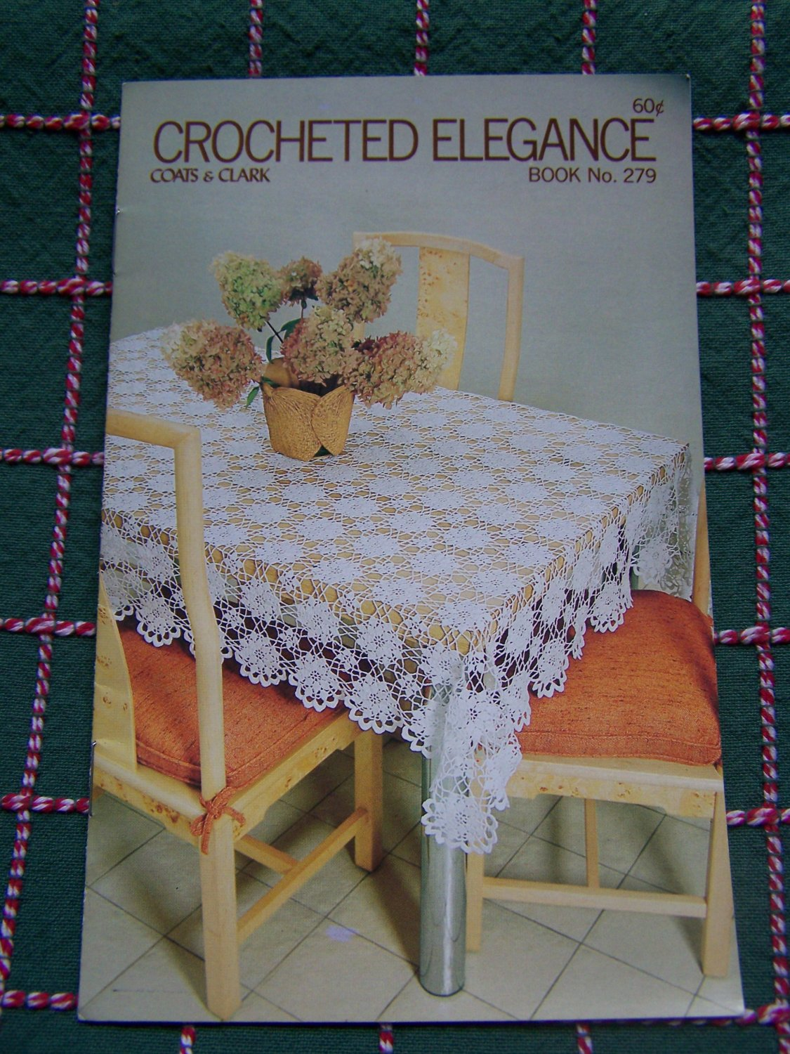 New Vintage Coats & Clark Crocheted Tablecloths Bedspreads Place Mats Doily Book 279