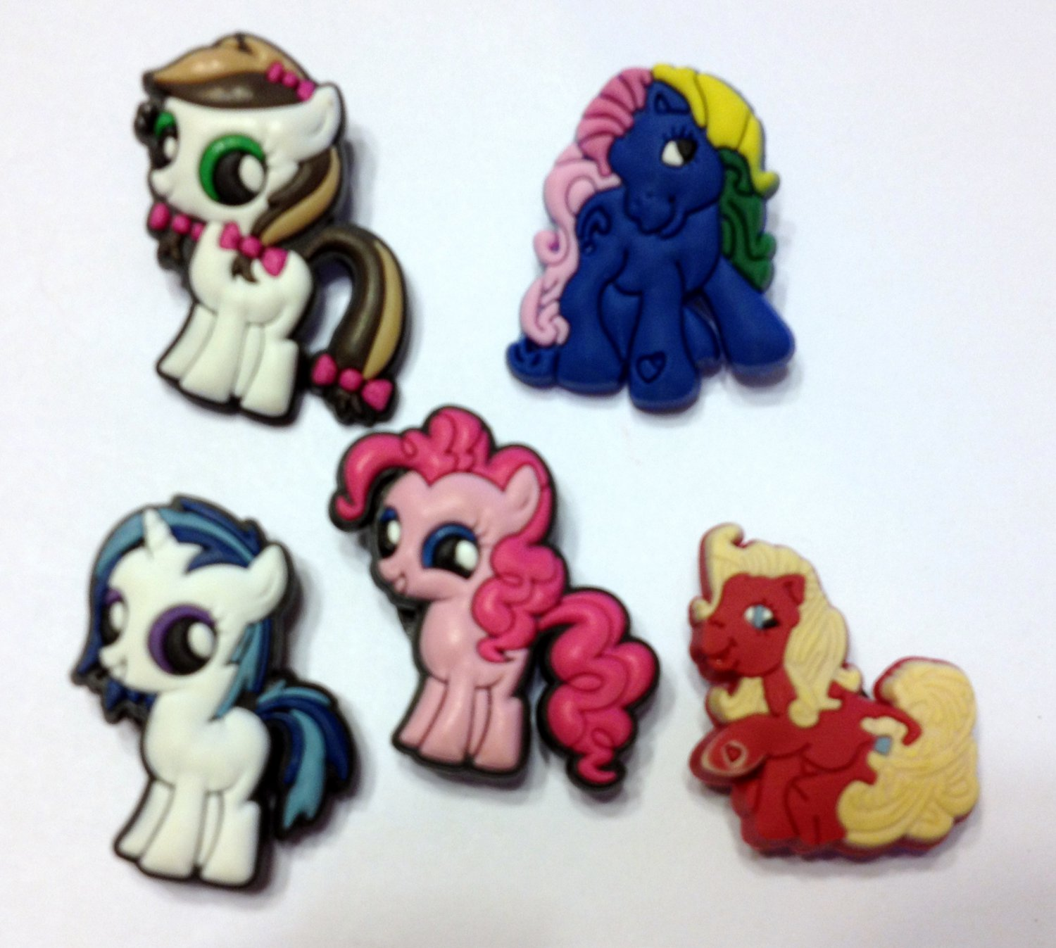 Colorful Horse and Pony Shoe Charms Party Favors