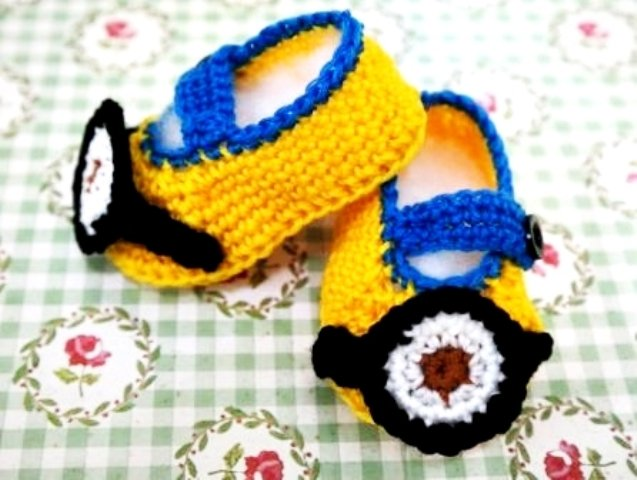 Crochet Handmade Minion Mini Booties Baby Shower Favors