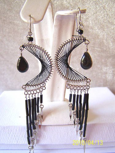 DIFFERENT BLACK THREAD DREAM CATCHER EARRINGS IN SILVER