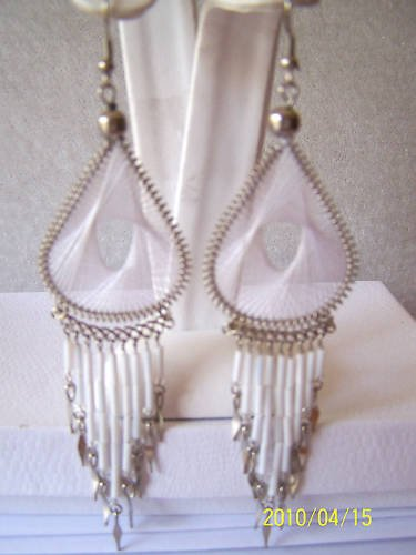 LOVELY WHITE THREAD DREAM CATCHER EARRINGS IN SILVER