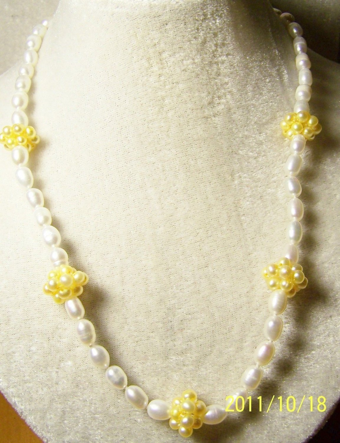 """WHAT A DEAL! CLEARANCE  ROUND YELLOW & WHITE RICE PEARL 20"""" NECKLACE FREE SHIP"""
