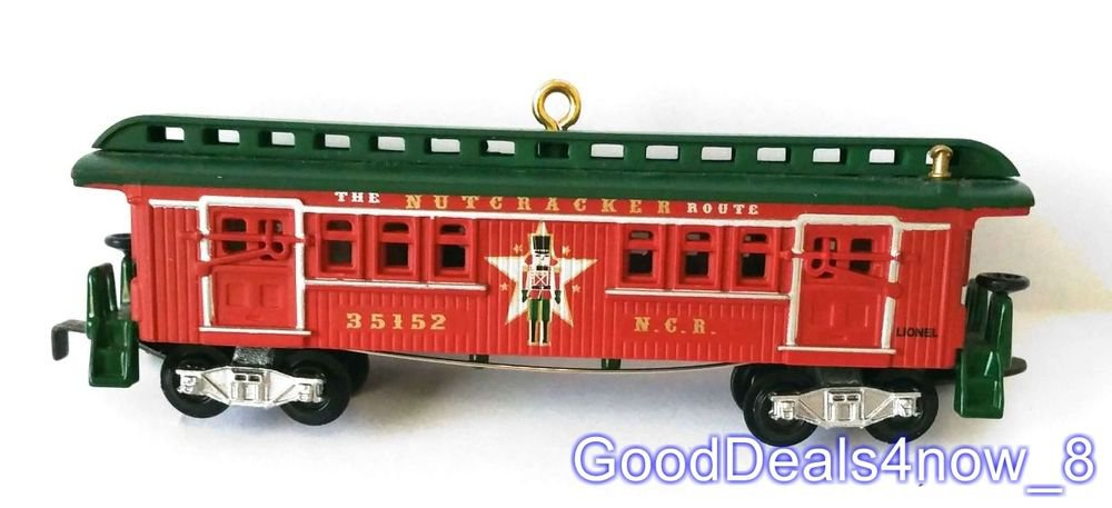 Hallmark Christmas tree Ornament 2012 LionelNutcracker Route Baggage Coach train