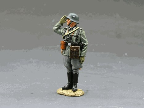 WS093-Standing Saluting German Officer