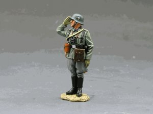 WS093-Standing Saluting German Officer
