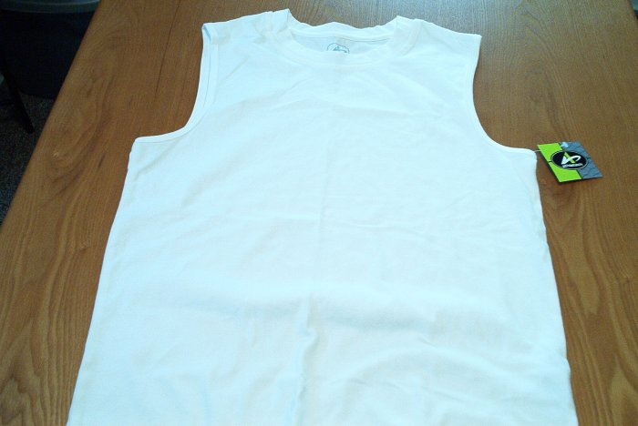 WHITE MENS SLEEVELESS TOP SIZE SMALL NEW W/TAGS