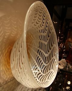 "20"" Hand Blown Murano Art Style Glass Bowl White Amber W/ Wall Hanging Mount"