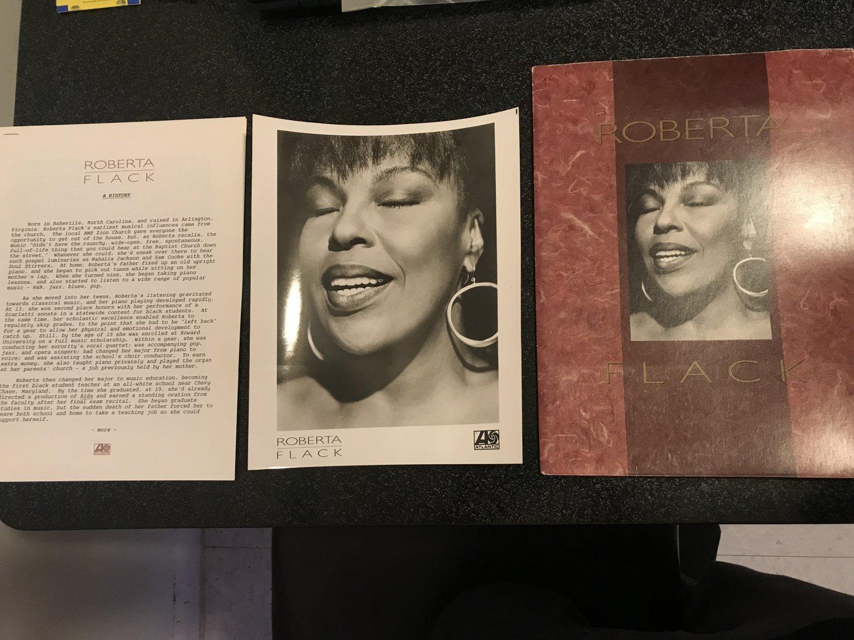 R&B) Roberta Flack Set The Night To Music Mint '91 Custom Press Kit + Photo