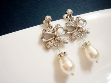 Tie the Knot Bridal Swarovski Pearl Earrings - Wedding Bridesmaid Gift E034