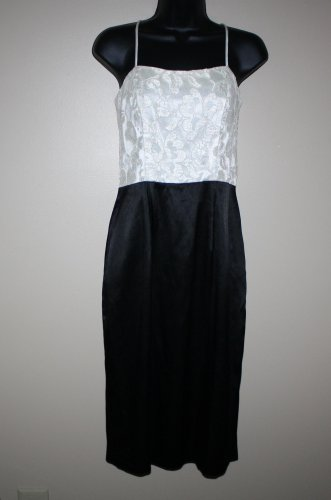 Vintage Black Satin and Ivory Lace Cocktail Party  Dress 6