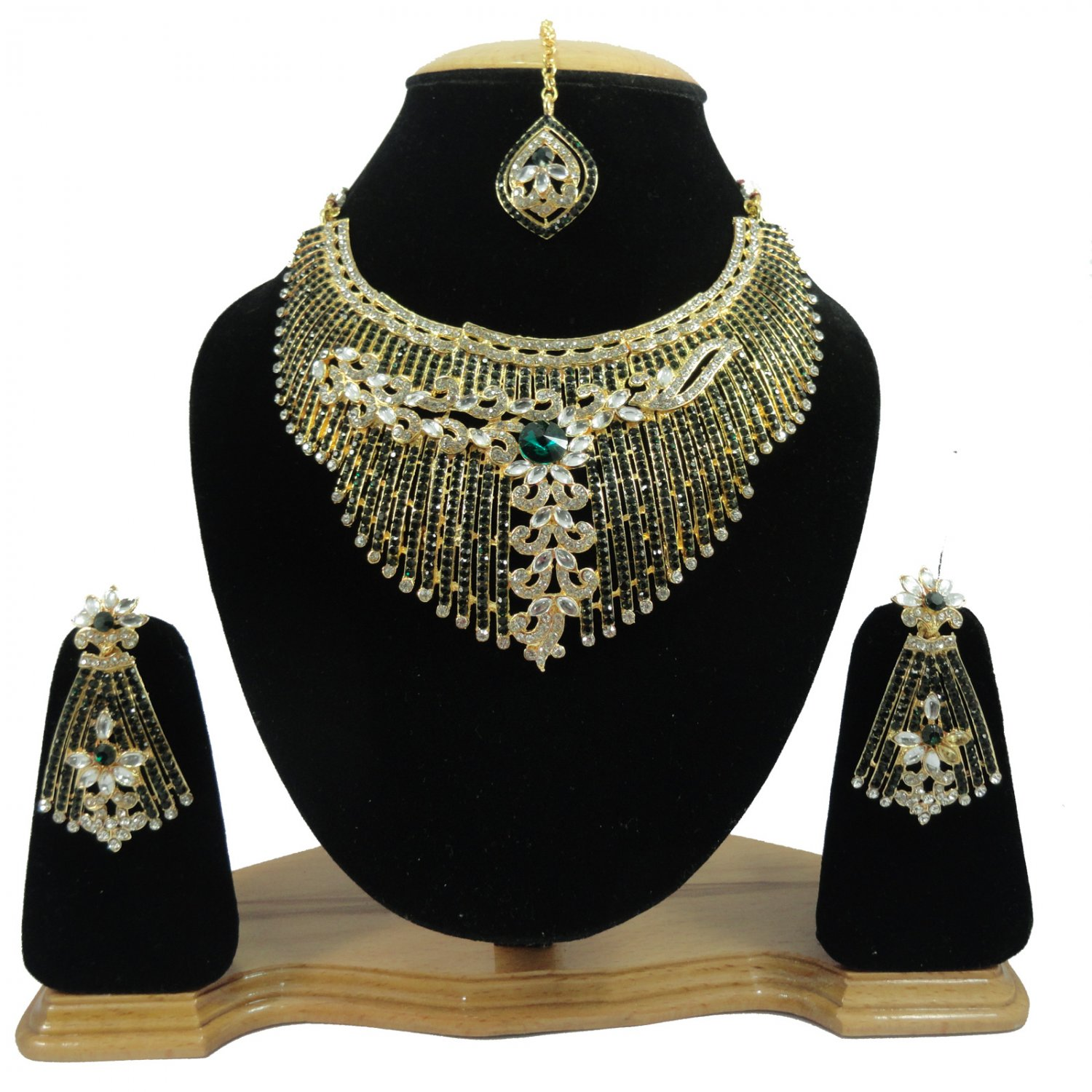 American Diamond Inspired Jewelry Attractive Princess Necklace Earrings and Mangtika Set Green