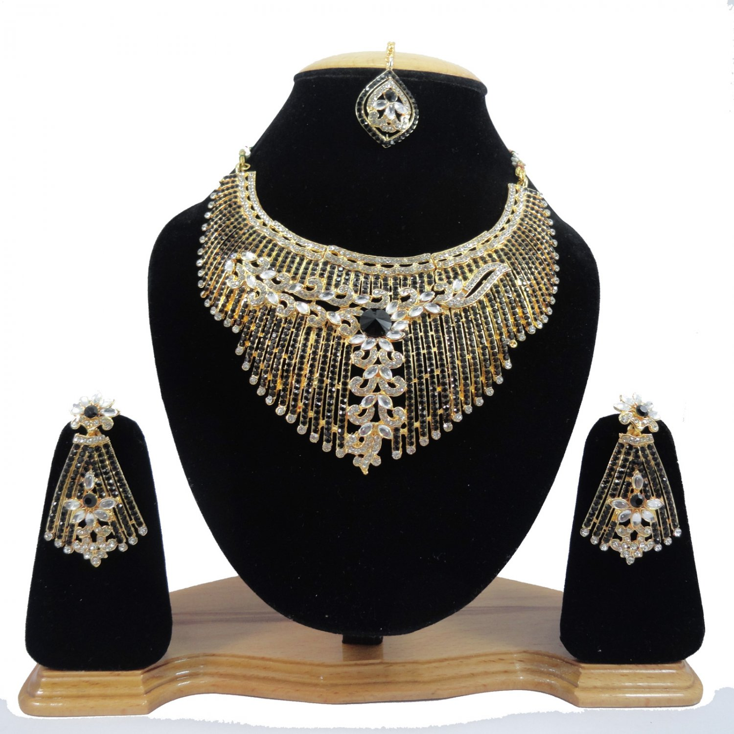 American Diamond Inspired Jewelry Attractive Princess Necklace Earrings and Mangtika SetBlack