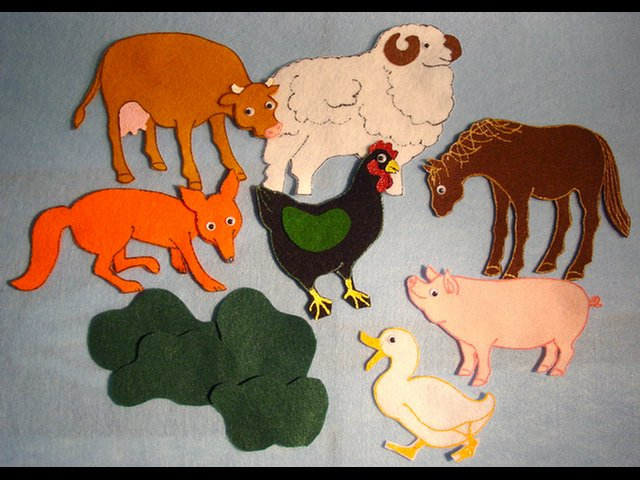 Hattie and the Fox 11-pc Flannel Felt Story