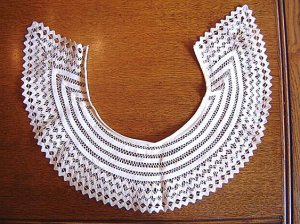 Extra Large VINTAGE Crochet Tape Lace Collar