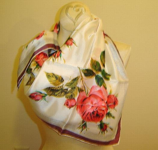HOLD CHECK Vintage 1940's Outstanding Scarf -  Cabbage Rose