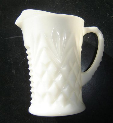 Vintage Anchor Hocking -  CREAM or sauce PITCHER- Pineapple Fan