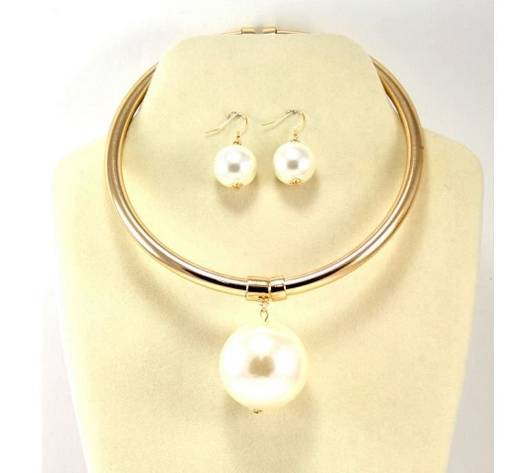 Bold Gold and Cream Pearl Necklace Set Pearl Choker Necklace Set Large Pearl