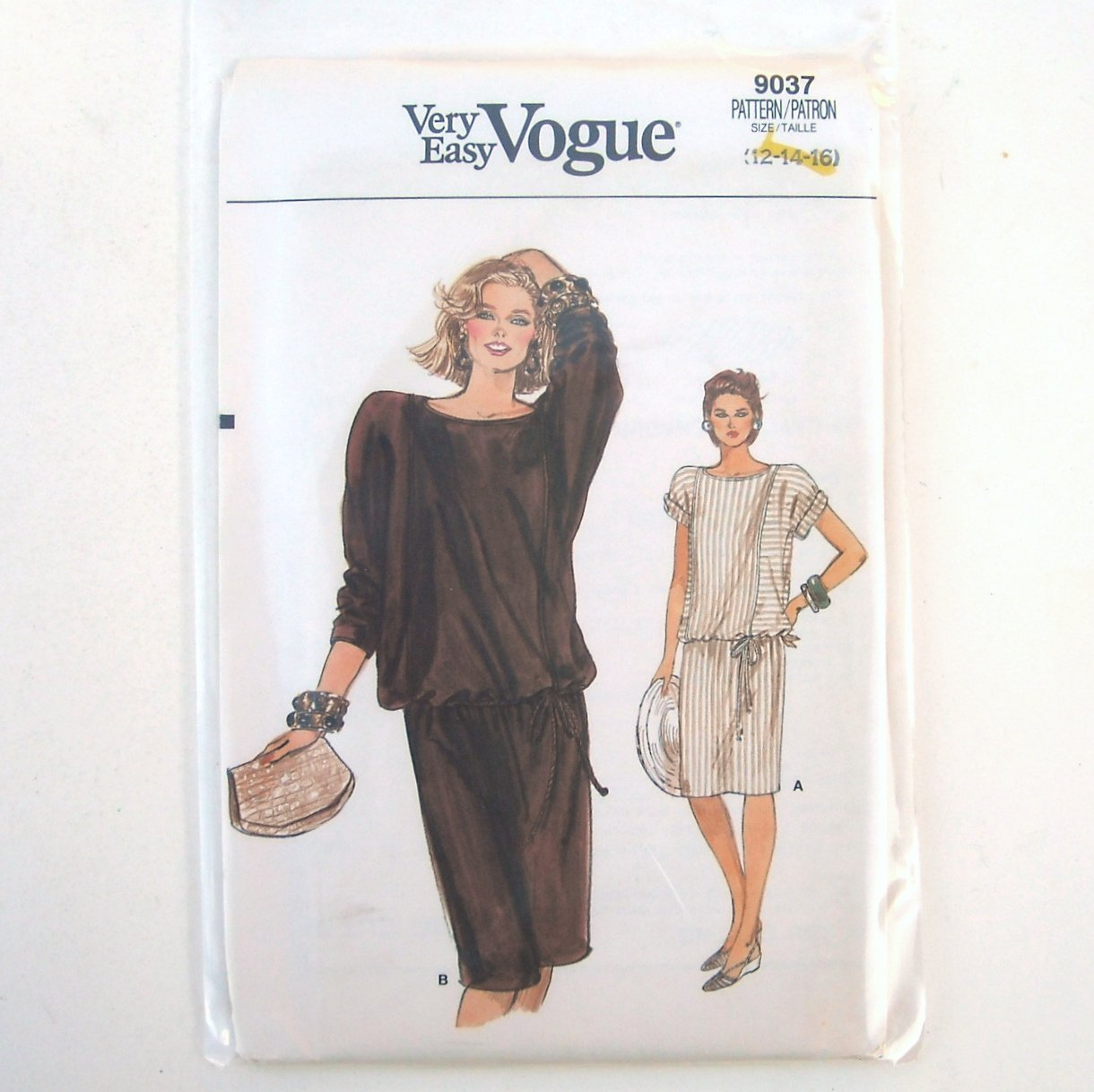 Vogue Very Easy Pattern 9037 Size 12 14 16 Misses Dress