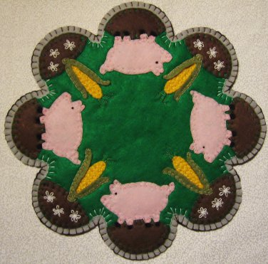 """""""This Little Piggy"""" Candle Mat Penny Rug PATTERN #168"""