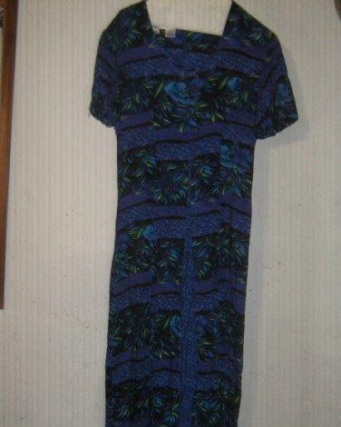 COCO BLANCO ^ Womens sz 8 blue multi pattern rayon Dress