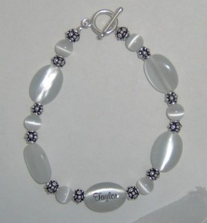 Cat's Eye Oval Engraved Bracelet