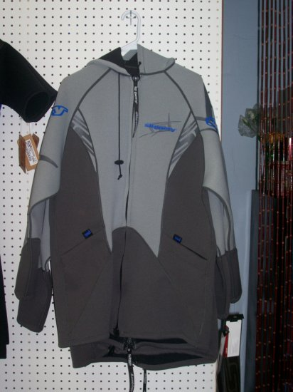 SLIPPERY Tour Coat Small/Medium