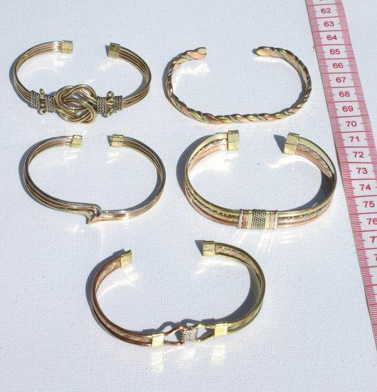 5 Pretty Ajustable Size Bracelets Ethnic Design Style