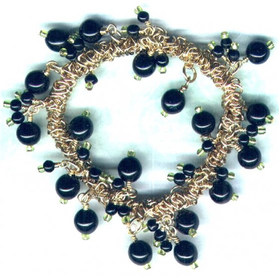 "Elasticated Black Glass Beaded Charm Bracelet ""Razzle Dazzle"" - PreciousThings.ecrater.com"