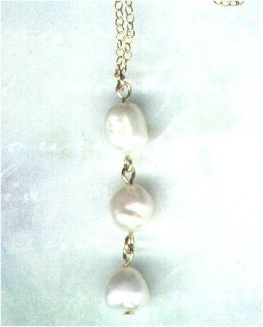 "Handcrafted Three-Pearl Gemstone Pendant with Chain ""Pearl Drops"" - PreciousThings.ecrater.com"