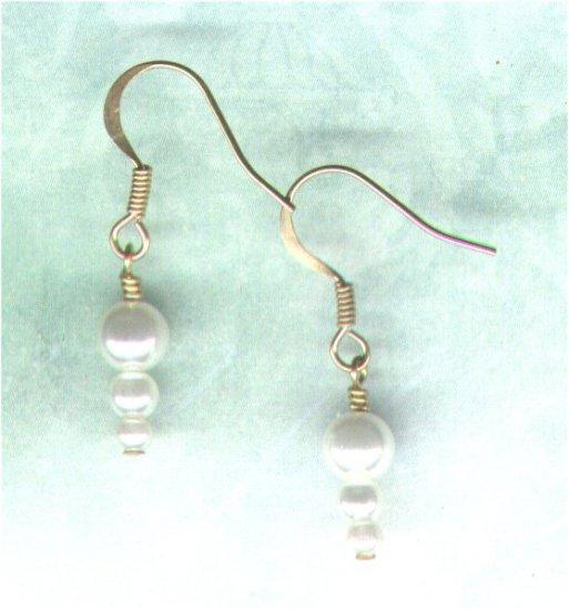 Graduated Glass Pearl Earrings - PreciousThings.ecrater.com