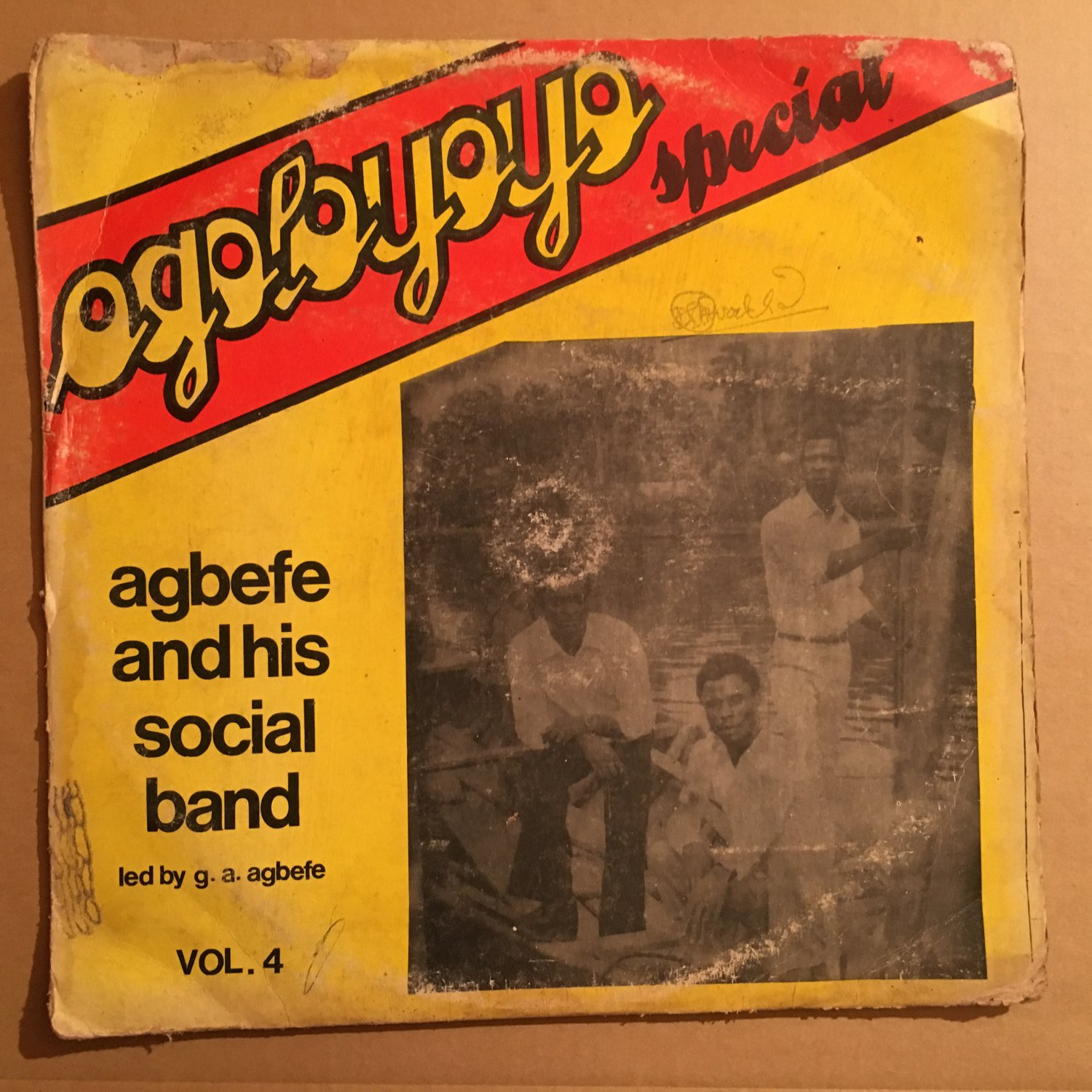 ***AGBEFE & HIS SOCIAL CLUB LP agoloyoyo special vol.4 NIGERIA mp3 LISTEN