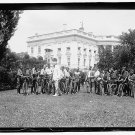 *NEW* VINTAGE ANTIQUE BICYCLE PHOTO: PRESIDENT HARDING WITH CYCLE MESSENGERS WH
