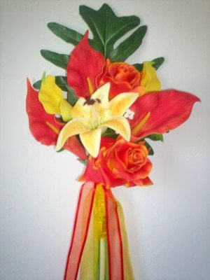 Tropical Ecstasy Callas, Roses & Lily Bouquet