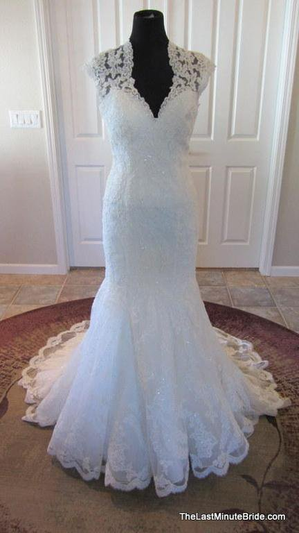 Allure Ivory Lace size 10 wedding gown
