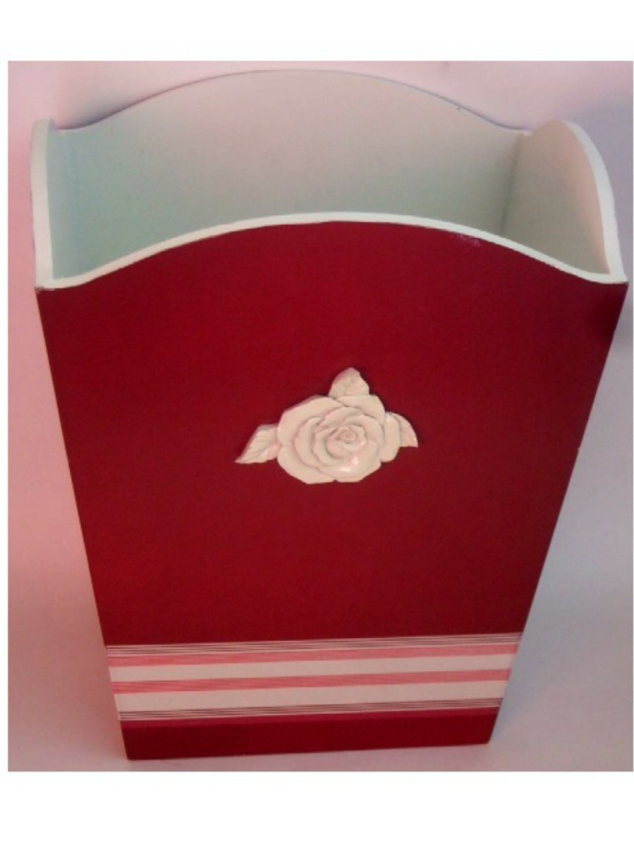 Country Living Red Wastebasket White Rose