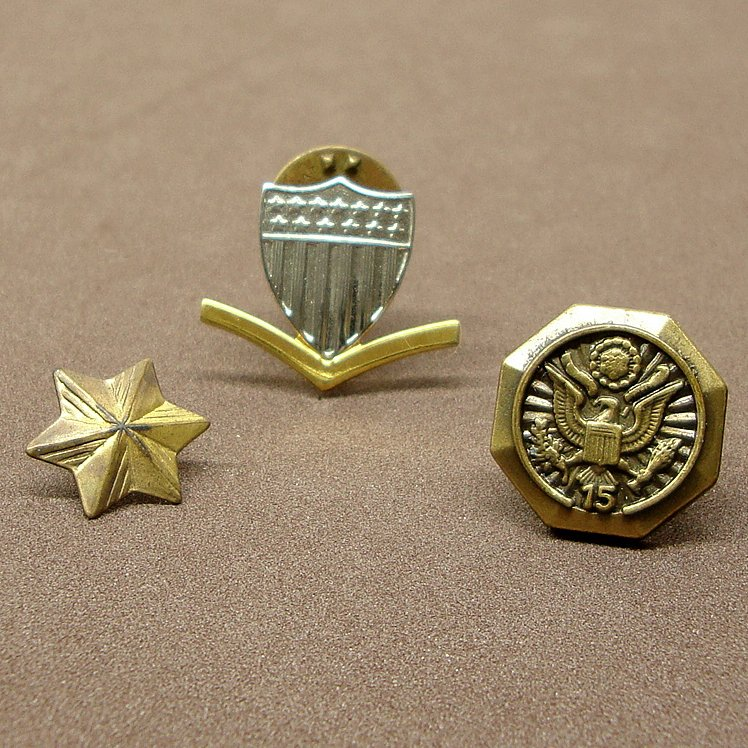 Old Military-Gov, Krew,Military State Seal 15 Year Pin