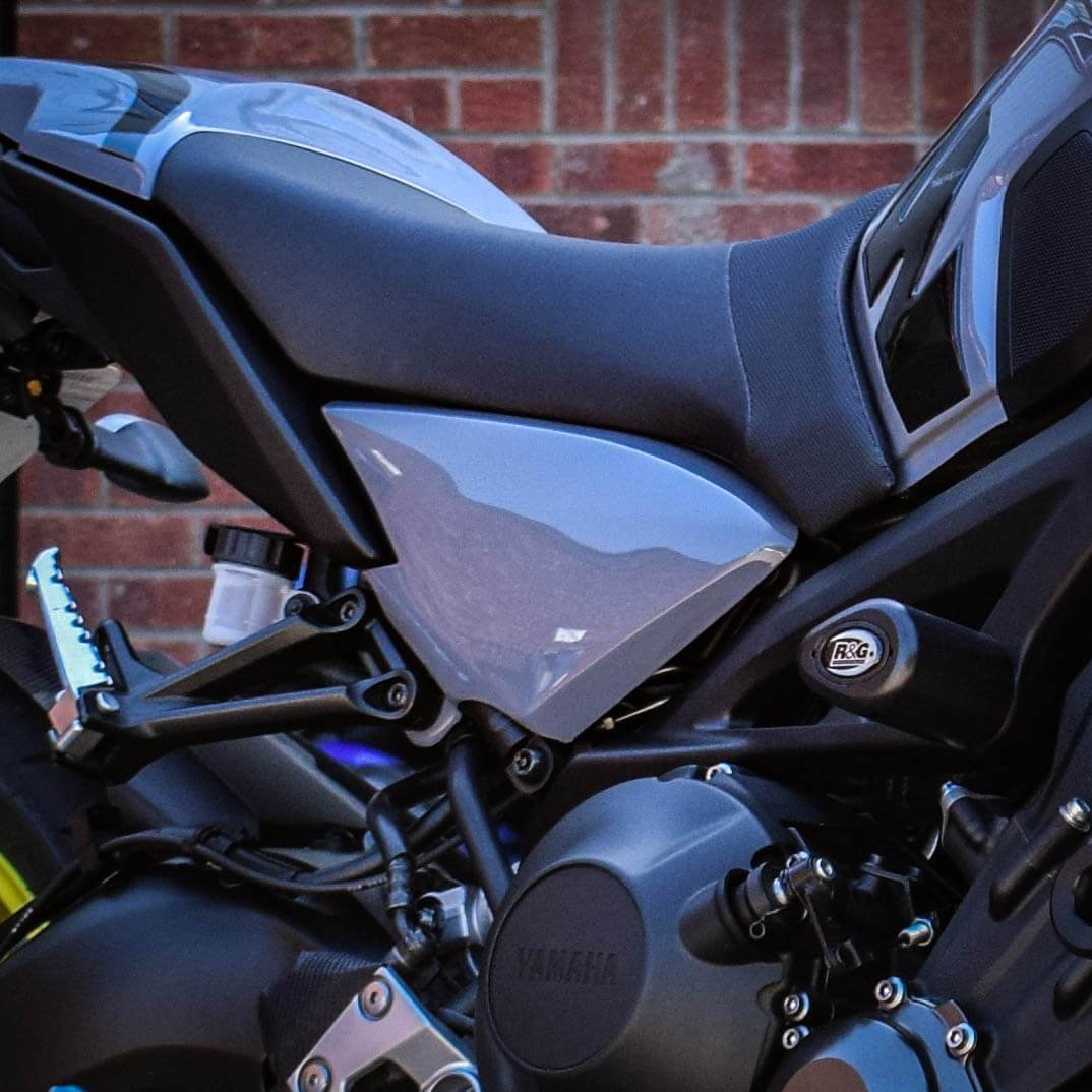 Yamaha MT09 / FZ09 (17-20)  Frame Infill Cover Panels (pair) : Gloss Grey  22140E