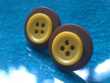 SUMMER SALE Cute as a Button Earrings