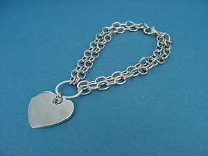 Shiny heart pendant on double rolo chain 706