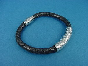 black leather bracelet with stainless steel bar and magnetic clasp 492