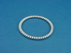round stainless steel elastic bangle in silver color 676