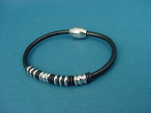 leather bracelet with charms and magnetic stainless steel lock 517