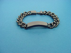 heavy stainless steel bracelet for men with middle plate in black 254