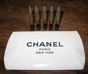 CHANEL VINTAGE ORIG.DISC.FORMULAS-BOXED SET OF 5 VIALS-HINGED LID NEW IN BOX!