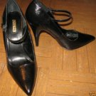 WOMEN'S DESIGNER SHOES, BLACK SIZE 8 1/2 B, NEW IN BOX