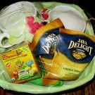ELEGANT NEW GIFT BASKET - 2  LARGE MUGS + ASSORT COFFEE & TEA. A PERFECT GIFT!