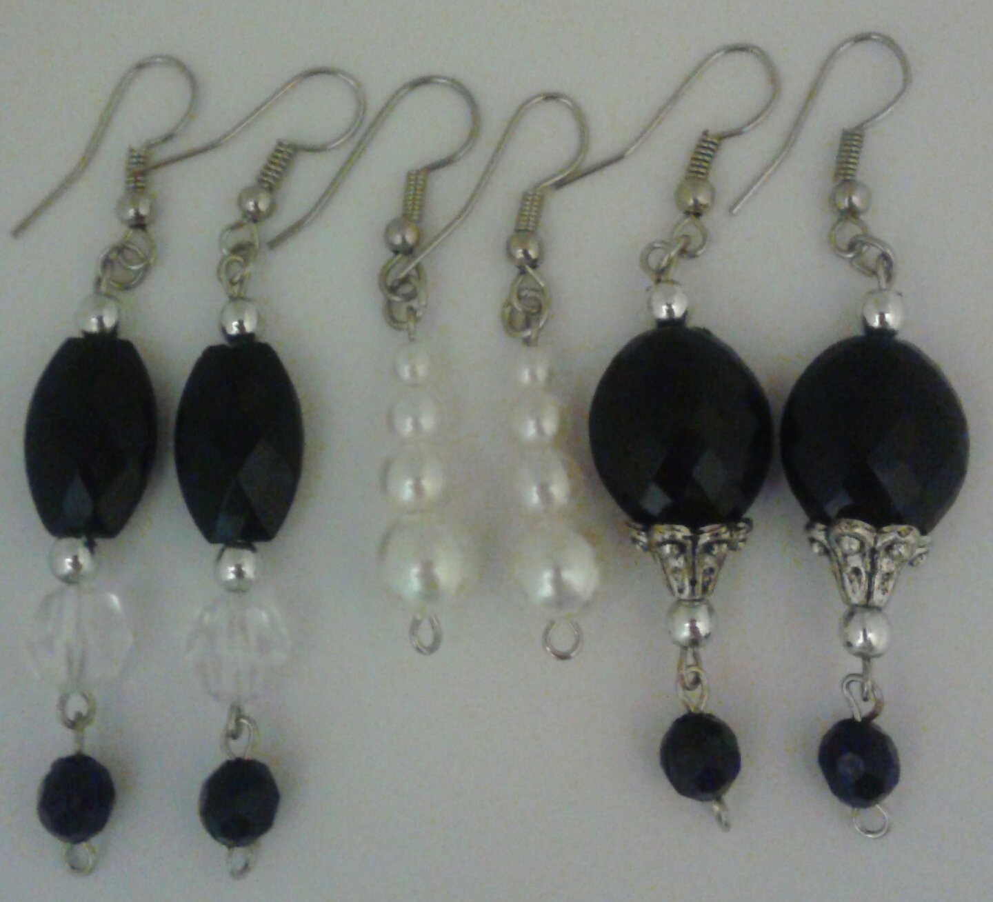 7 pc Black Sparkling Faceted Beading Designs with Simulted Pearl Earring Dangles